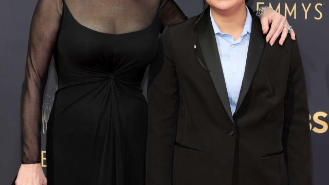 Jean Smart passou pela 'red carpet' dos Emmys com o filho mais novo