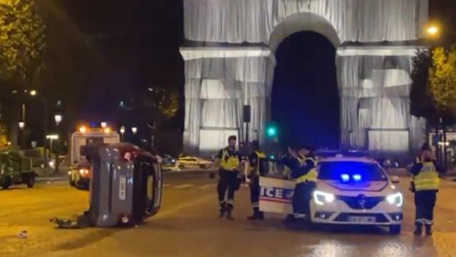 Quatro pessoas atropeladas nos Campos Elísios, em Paris