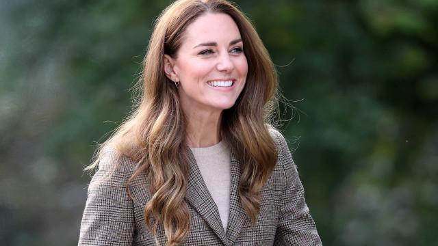 Bem-vindo, outono! Kate Middleton usa look perfeito para nova estação