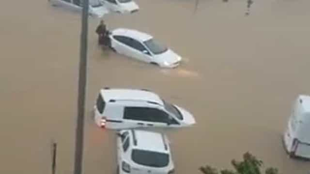 Vizinha Espanha também a braços com chuva intensa e inundações
