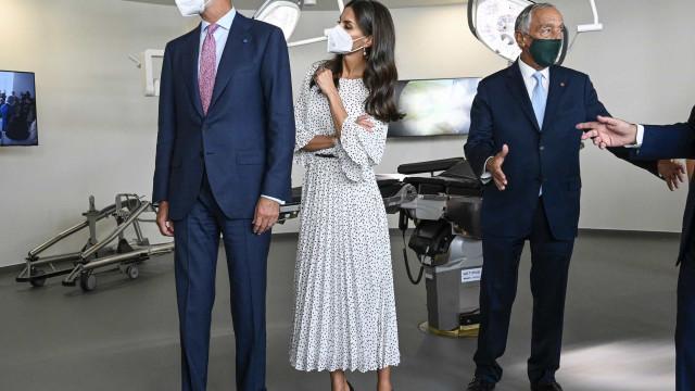 O look da rainha Letizia para a visita relâmpago a Portugal