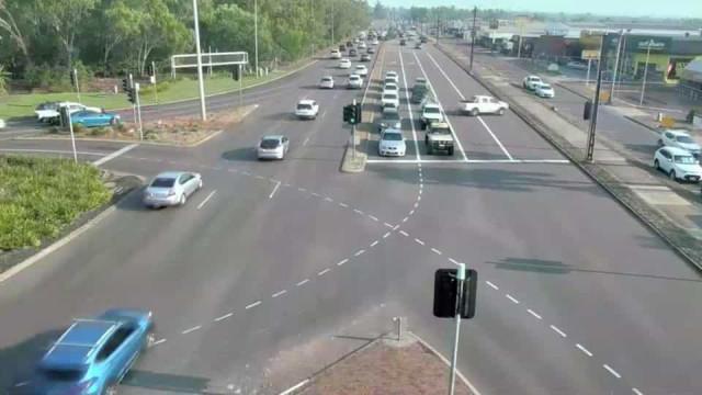 Carrinha atravessa sete faixas de trânsito na Austrália e sai ilesa