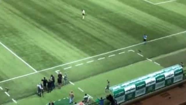 A reação eufórica de Abel Ferreira ao cântico dos adeptos do Palmeiras