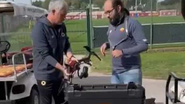 Mourinho trata de tudo na AS Roma. Até mesmo... dos drones