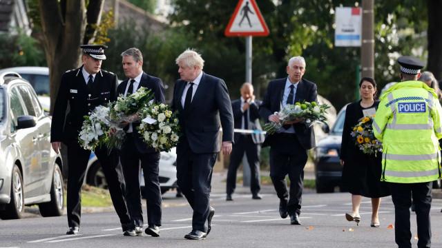 Deputados britânicos pedem mais segurança após morte de David Amess