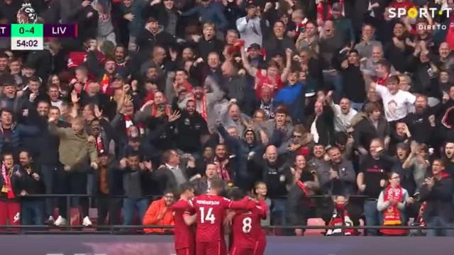O golaço de Salah após colocar vários rivais no 'bolso'