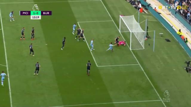 Falhar era difícil: Bernardo Silva abriu assim o marcador no City-Burnley