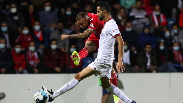 [1-2] Trofense-Benfica: André Almeida marca e deixa águias na frente