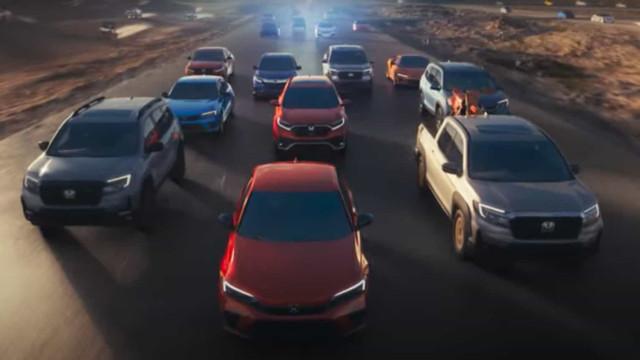 Honda conseguiu meter mais de 100 veículos num vídeo de um minuto