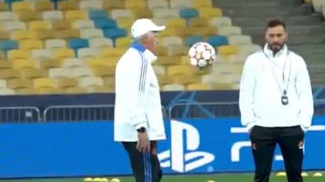 Quem sabe não esquece e Ancelotti demonstra-o no treino do Real Madrid