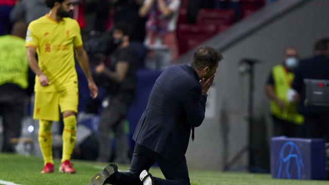 Gesto de antidesportivismo de Simeone contra Klopp dá muito que falar