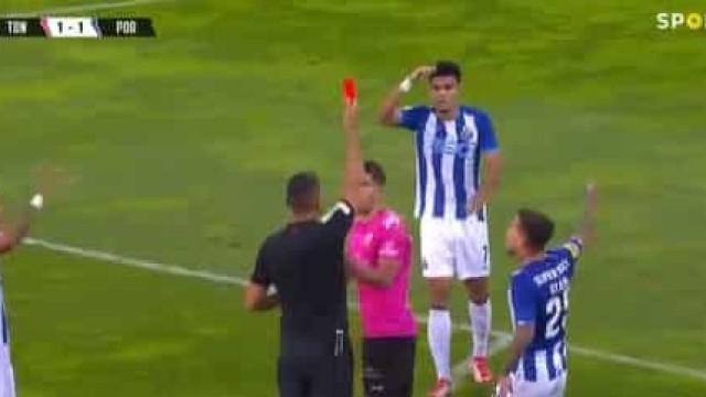 O lance que deixou o Tondela reduzido a 10 jogadores frente ao FC Porto
