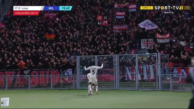 O golaço de Rafael Leão após assistência de Ibrahimovic