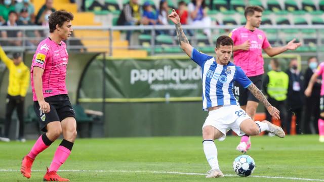 """Otávio diz estar """"muito feliz"""" por chegar aos 200 jogos pelo FC Porto"""