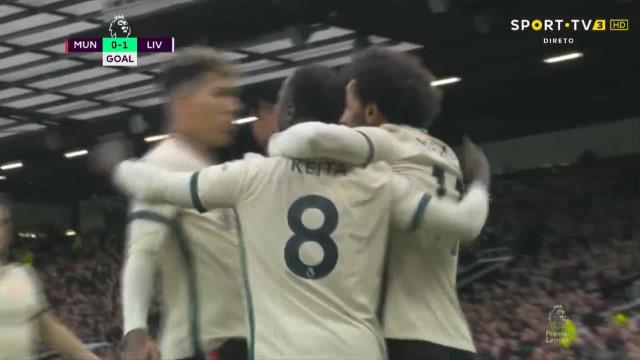 Foram precisos 5 minutos para o Liverpool deixar o United em problemas