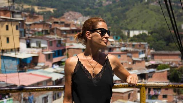 """Sofia Aparício visita antigo """"bairro mais perigoso de Medellin"""""""