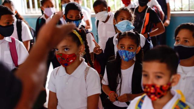 Baixa afluência no primeiro dia de aulas presenciais na Venezuela