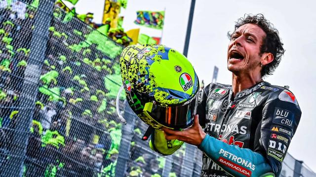 Imagens que ficam. Valentino Rossi despediu-se assim dos fãs italianos