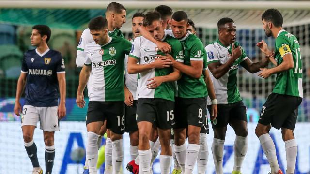 Sporting vence Famalicão e fica a um passo da final four