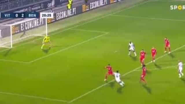 André André relançou partida em Guimarães com este golo