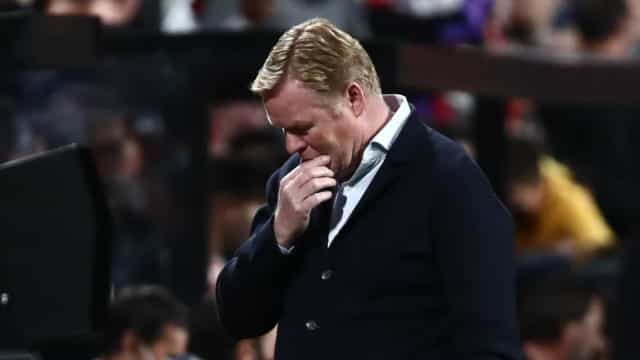 Oficial: Ronald Koeman despedido do comando técnico do Barcelona