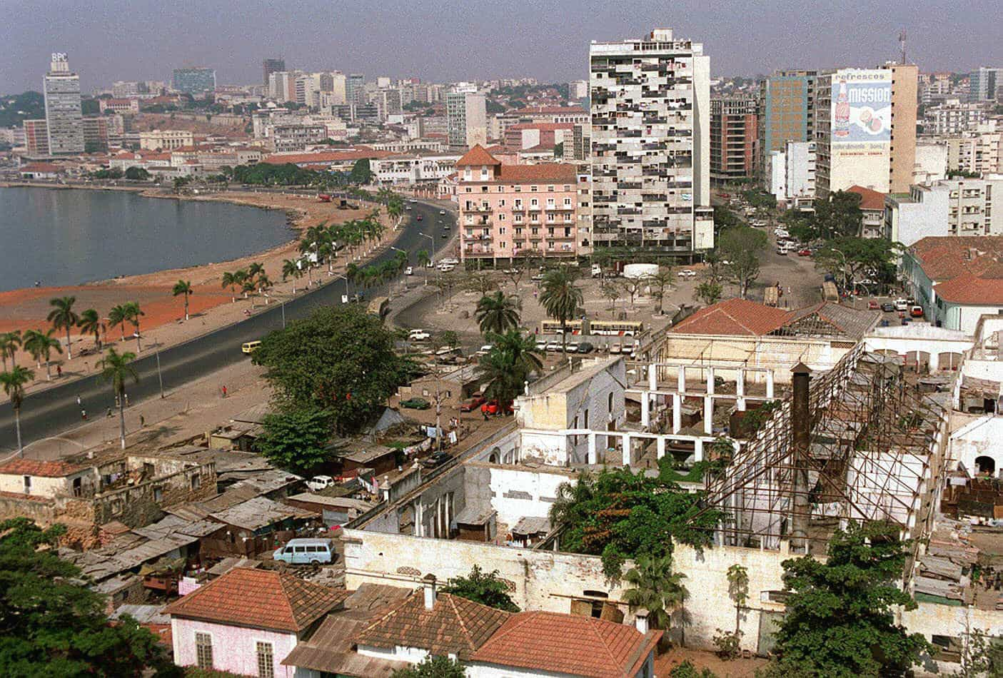 Standard Bank estima recessão de 0,9% em Angola este ano