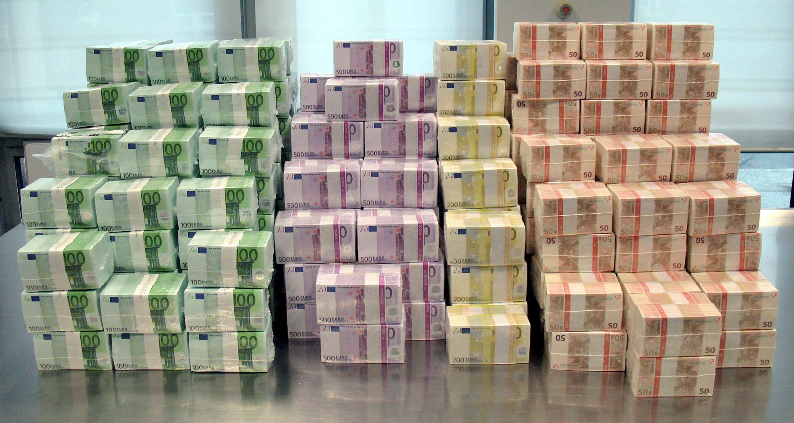Euro sobe face ao dólar após 'trégua' comercial entre EUA e China
