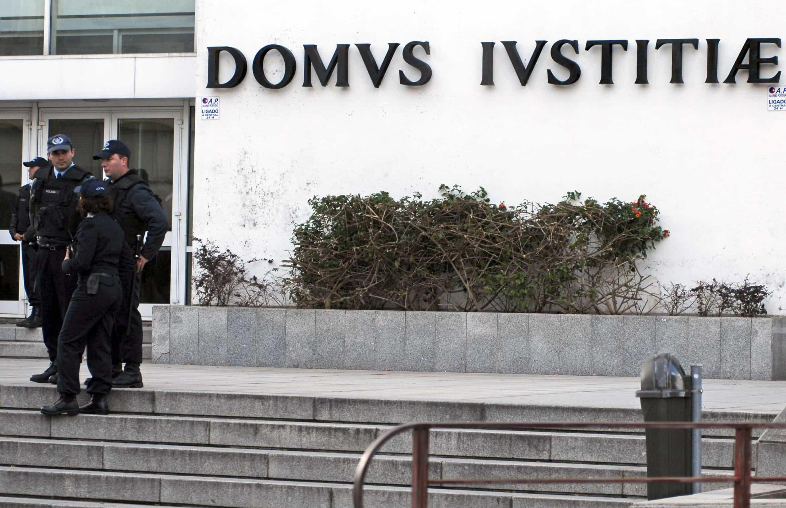 Funcionários judiciais iniciam hoje greve parcial