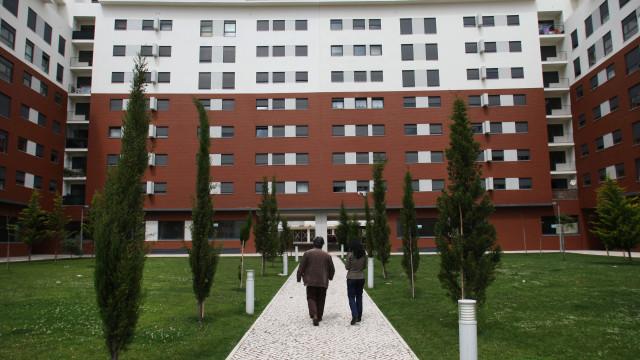 """Governo aprova """"permanência vitalícia"""" de moradores numa habitação"""