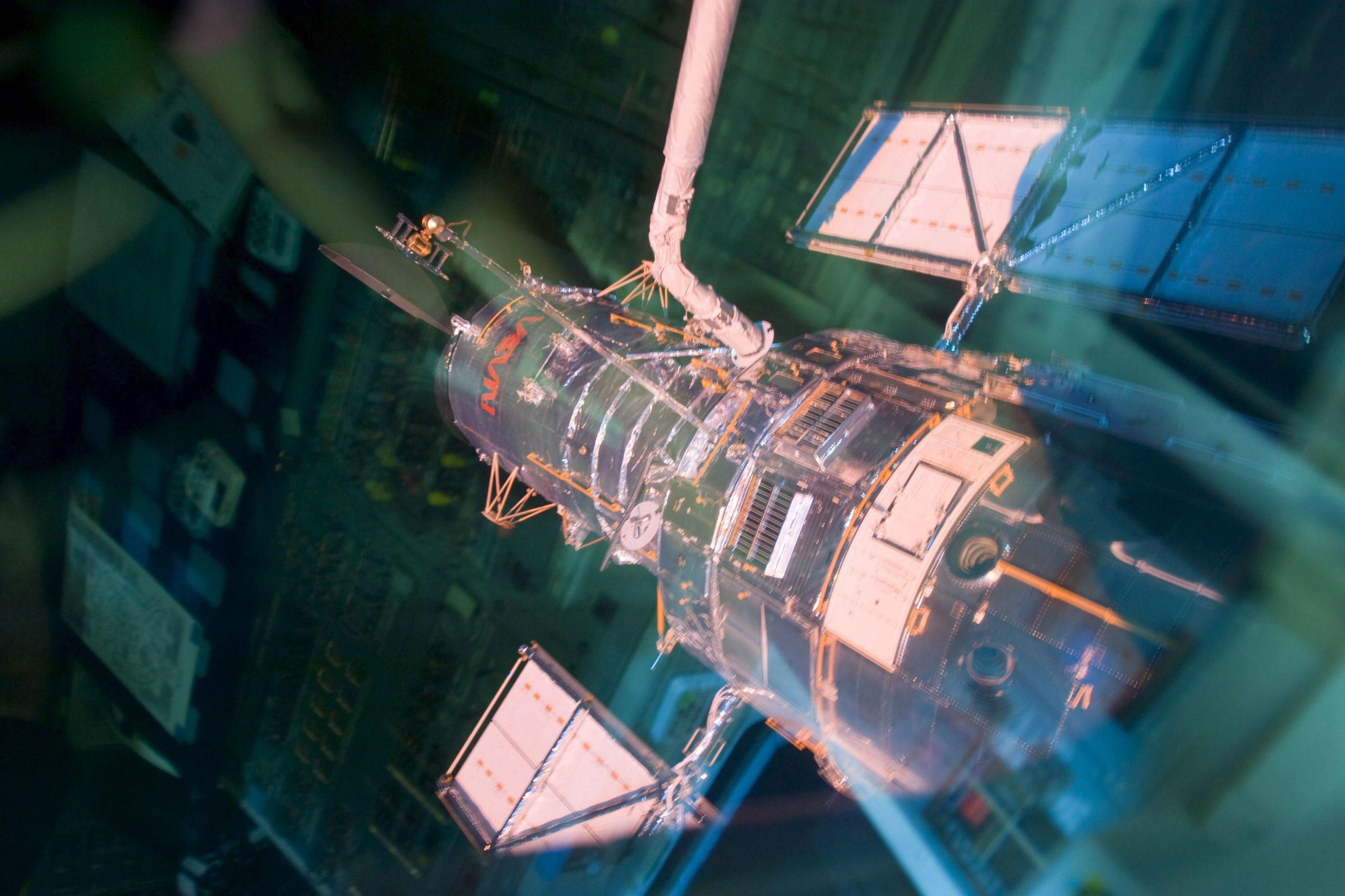 Telescópio espacial Hubble retoma observações