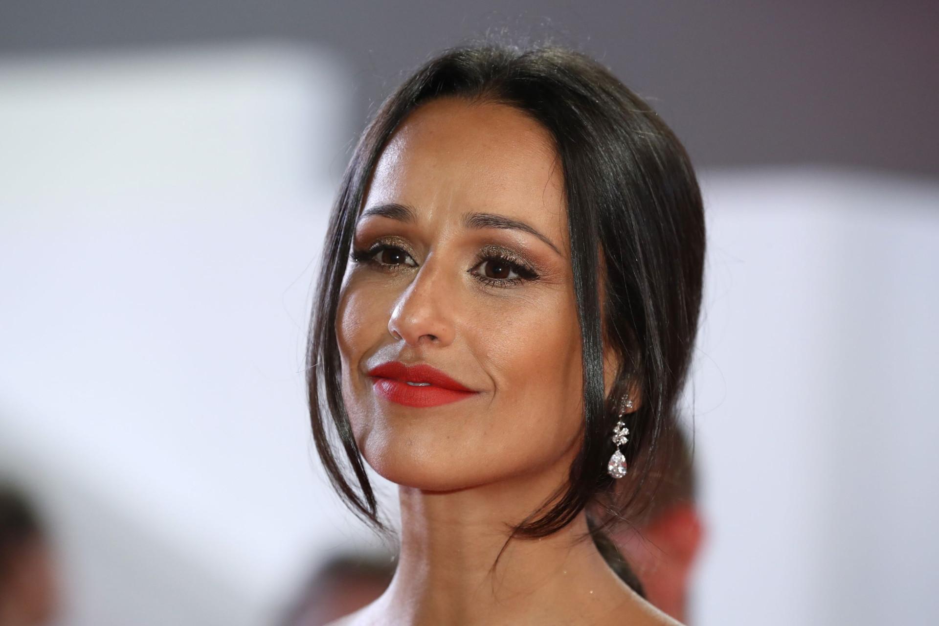 A preparar-se para ser mãe, Rita Pereira volta a exibir 'barriguinha'