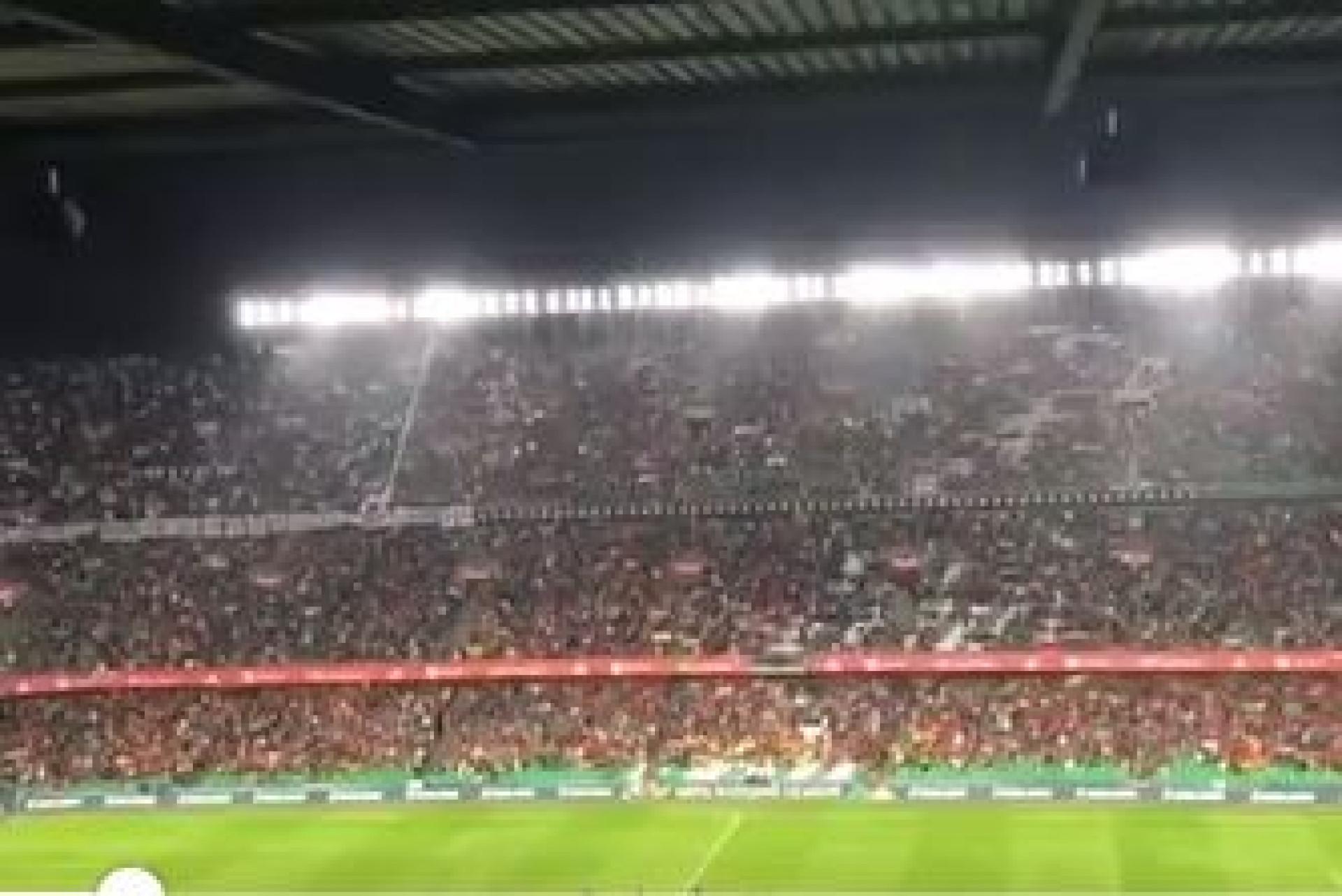 Polémica: Espanhóis assobiaram tanto que 'calaram' hino inglês