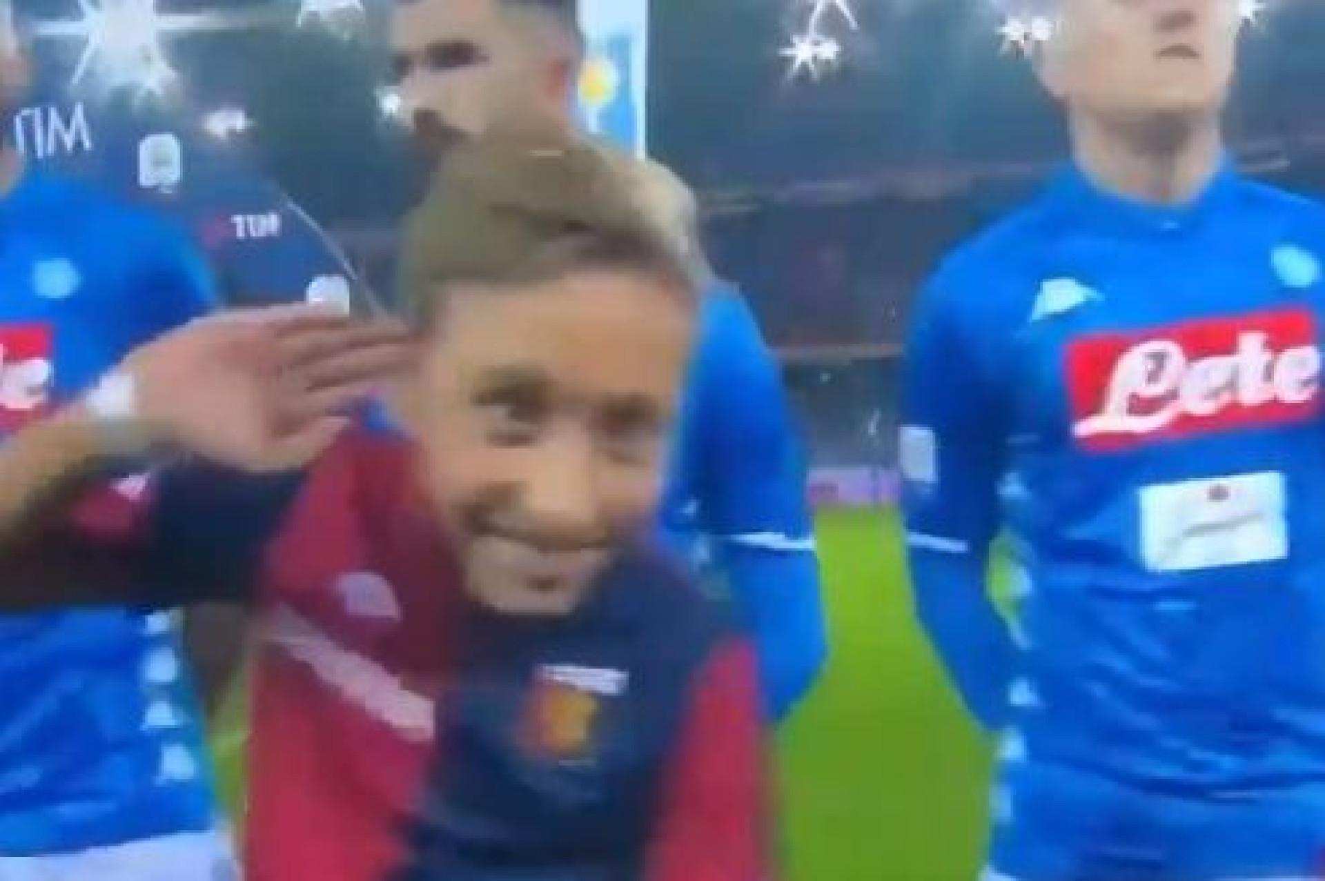 Polémico gesto de Mourinho parece ter virado moda em Itália