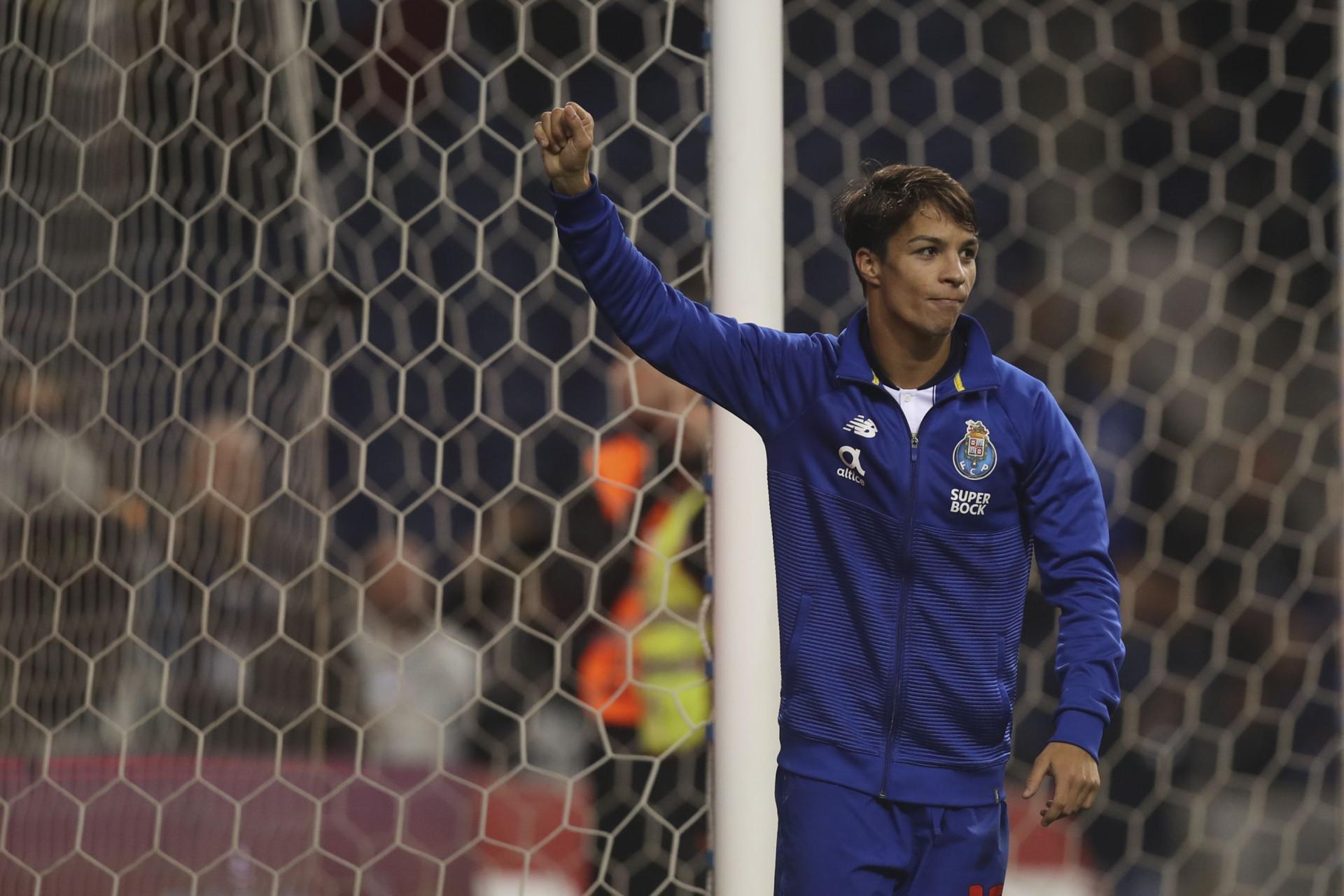 Adeus, FC Porto: Óliver Torres já aterrou em Sevilha