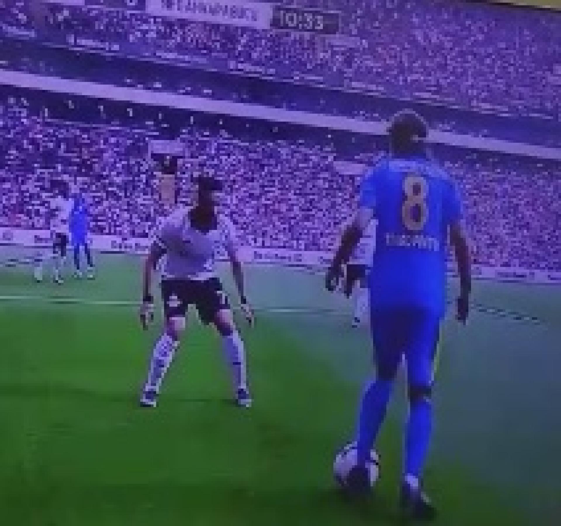 Filho de João Pinto 'partiu' os rins a adversário com finta à Ronaldinho
