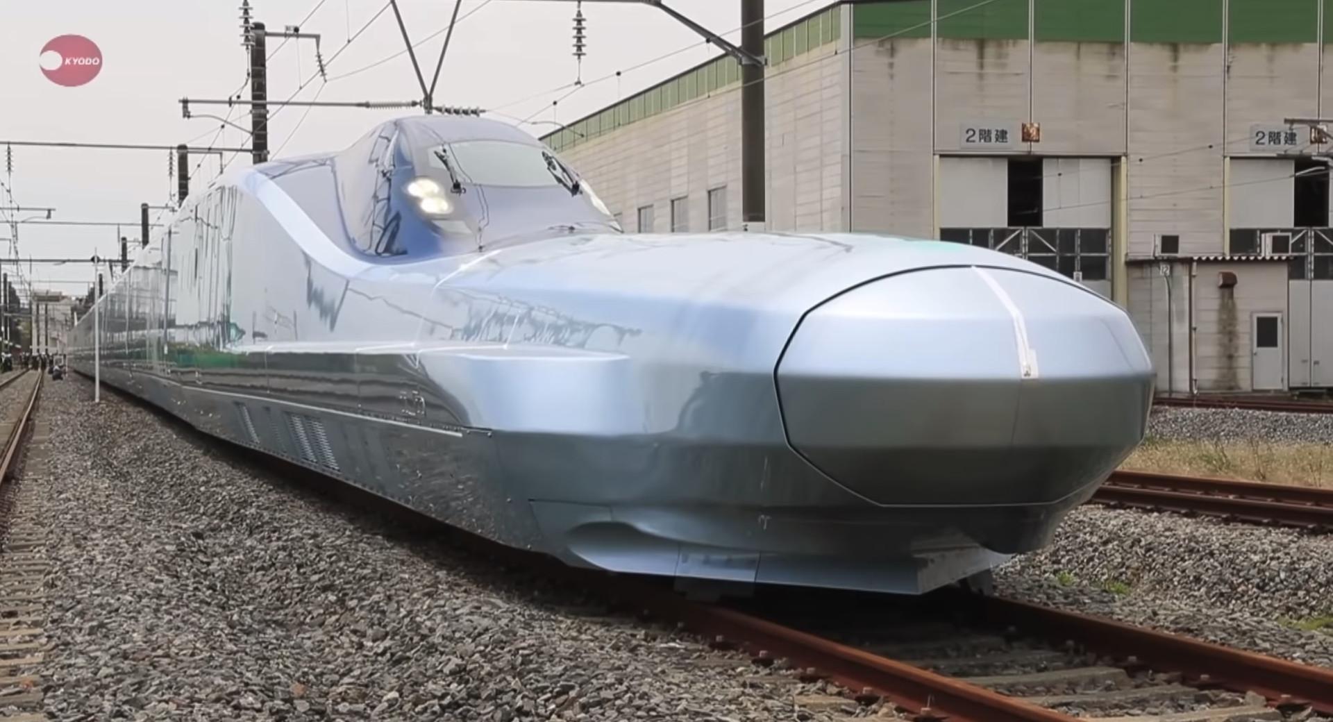 Japão desvenda comboio capaz de viajar a 400km/h