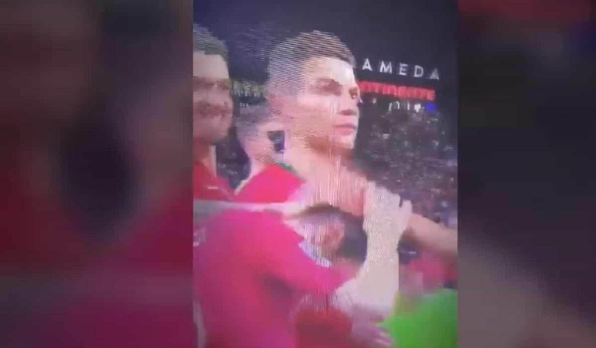 Bernardo Silva eleito melhor jogador da prova. Reação de CR7 já é viral