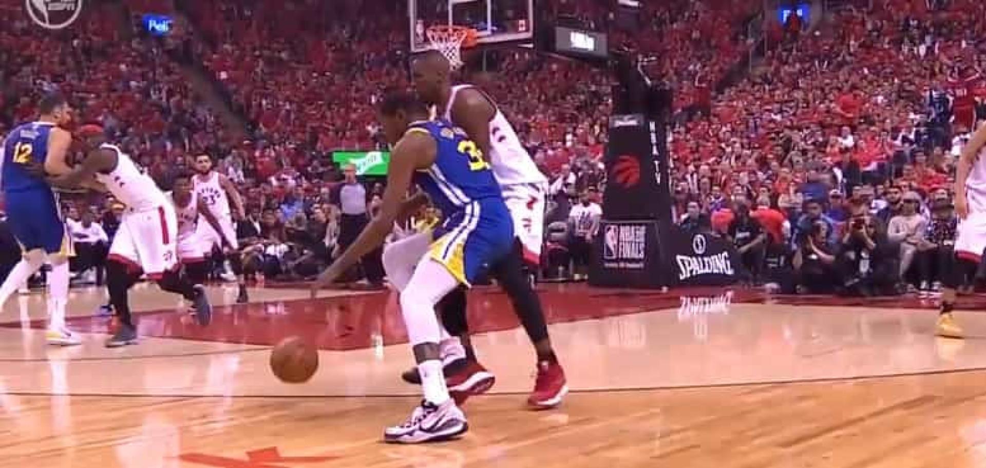 O momento em que Kevin Durant contraiu uma rutura no tendão de Aquiles