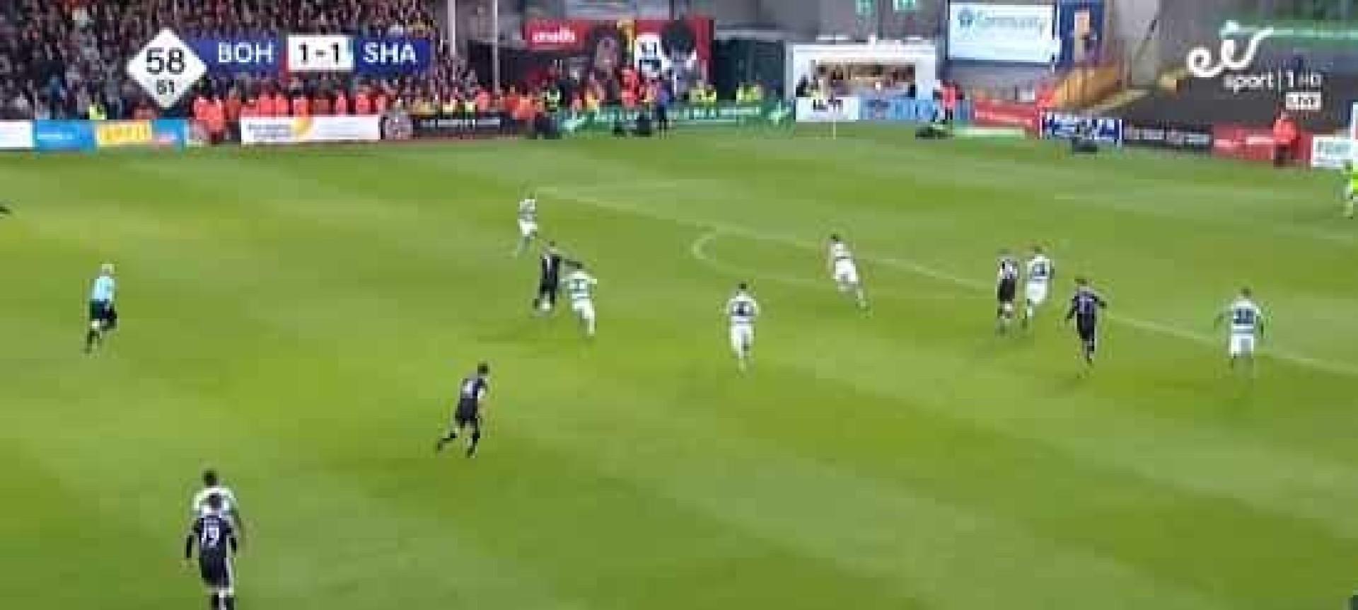 Danny Mandroiun fez este golo na Irlanda que promete correr o mundo