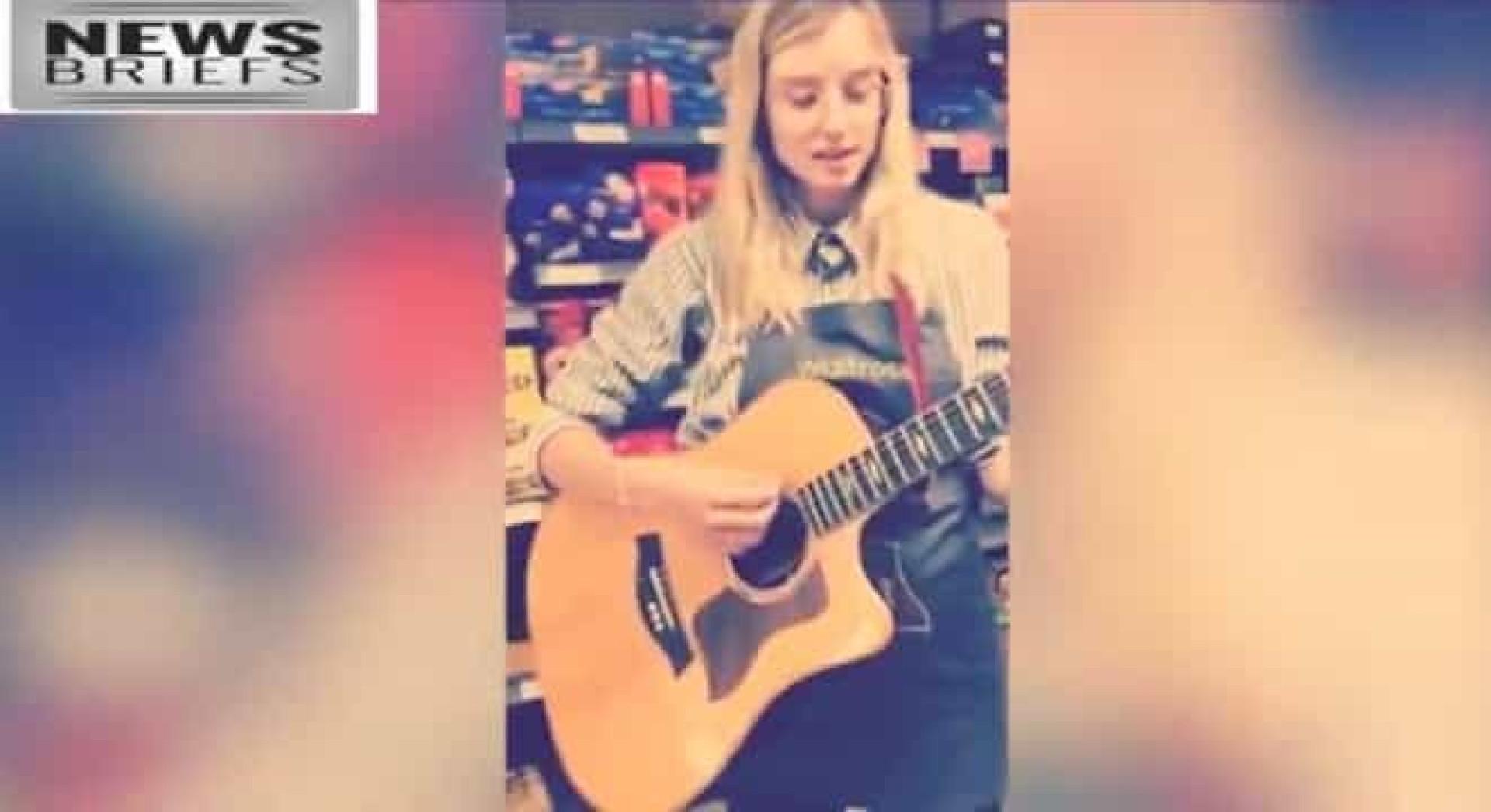 Jovem leva guitarra para o emprego e sai de lá com um contrato musical