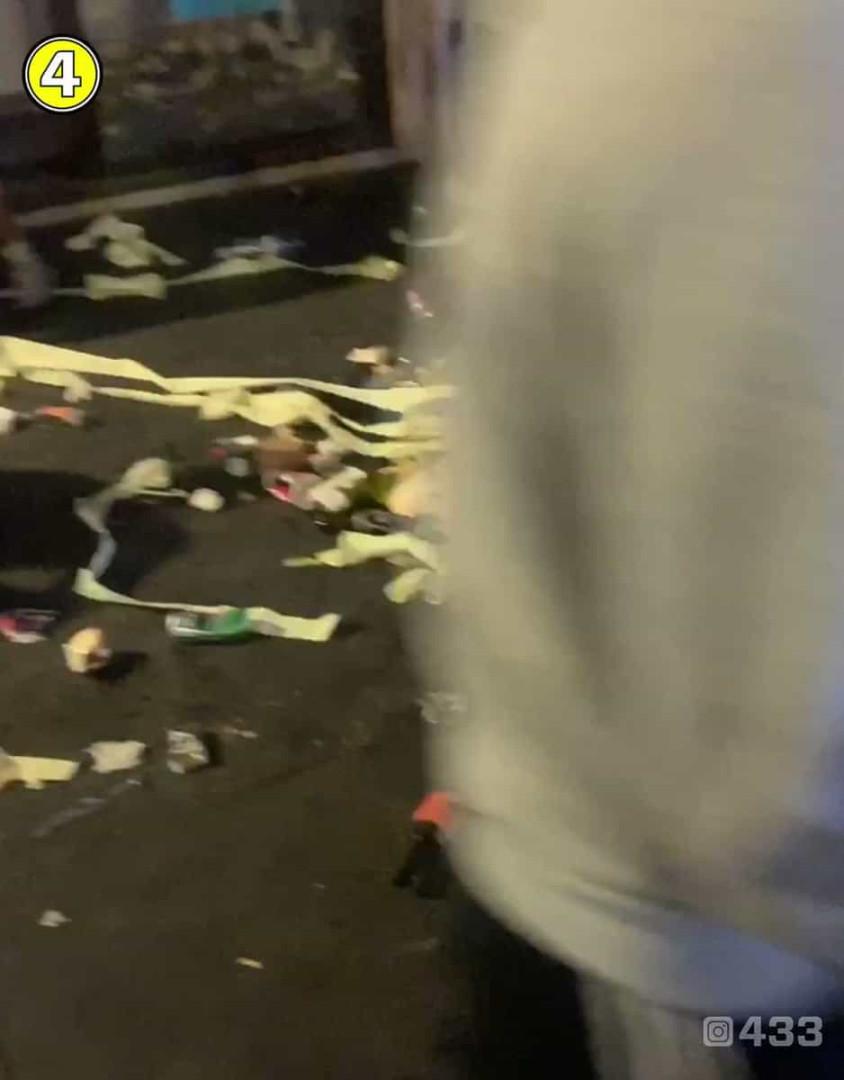 Adeptos argelinos limpam ruas após festejos pela conquista da CAN