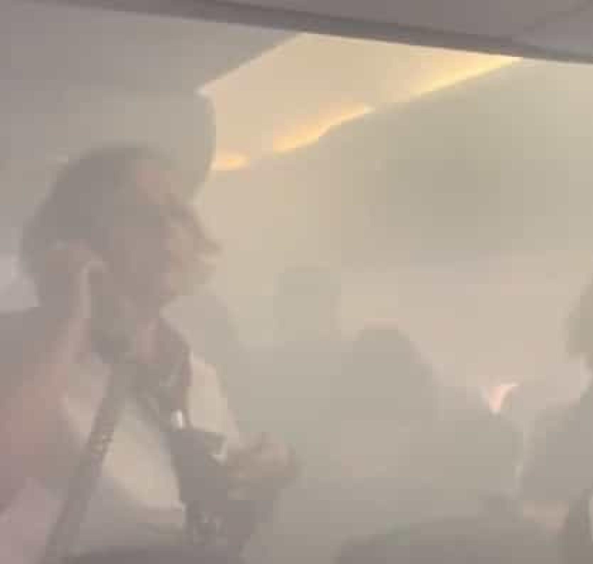 Avião forçado a aterragem de emergência por causa de fogo no motor