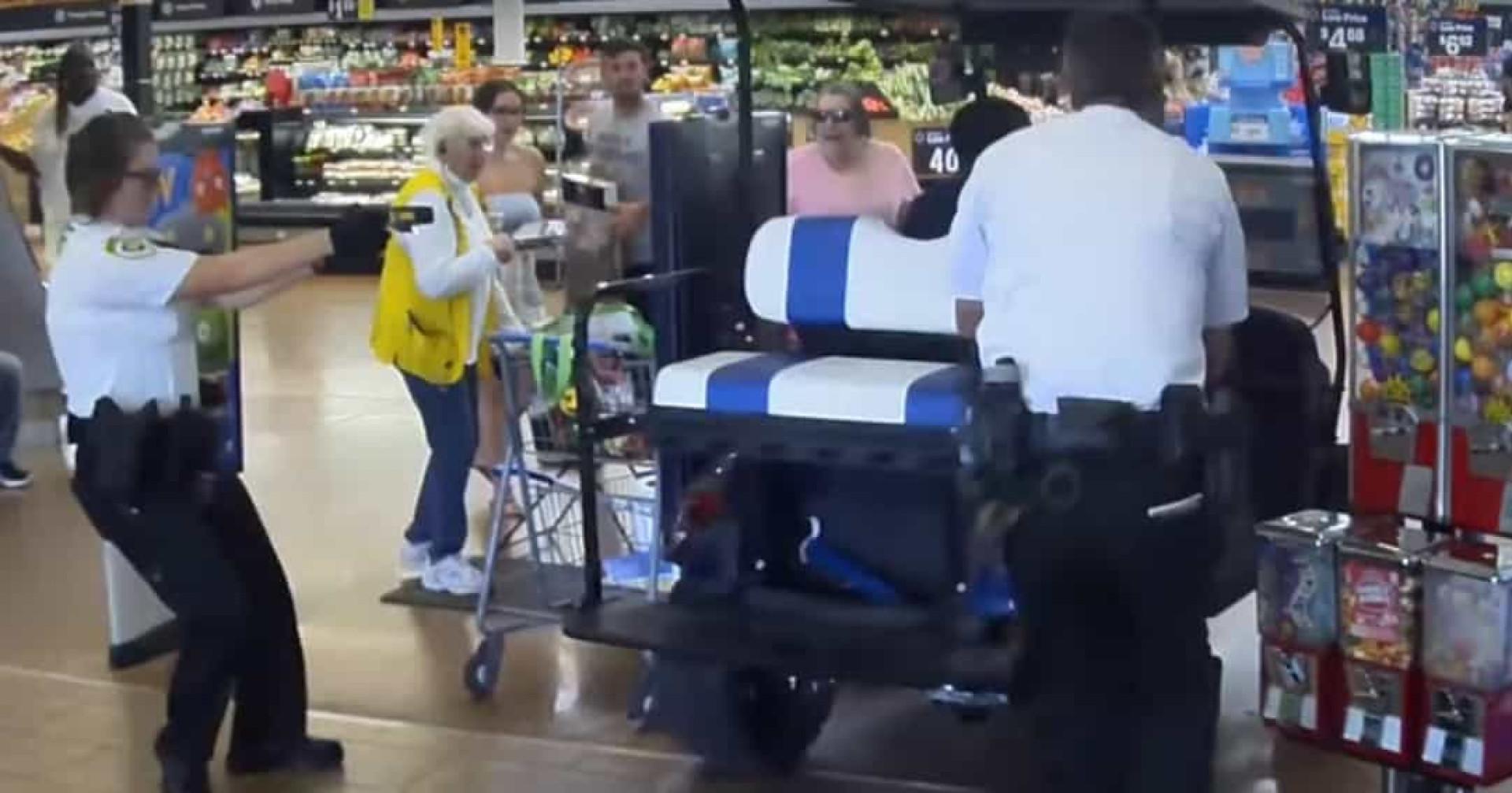 Entrou com carrinho de golfe em supermercado e atropelou clientes