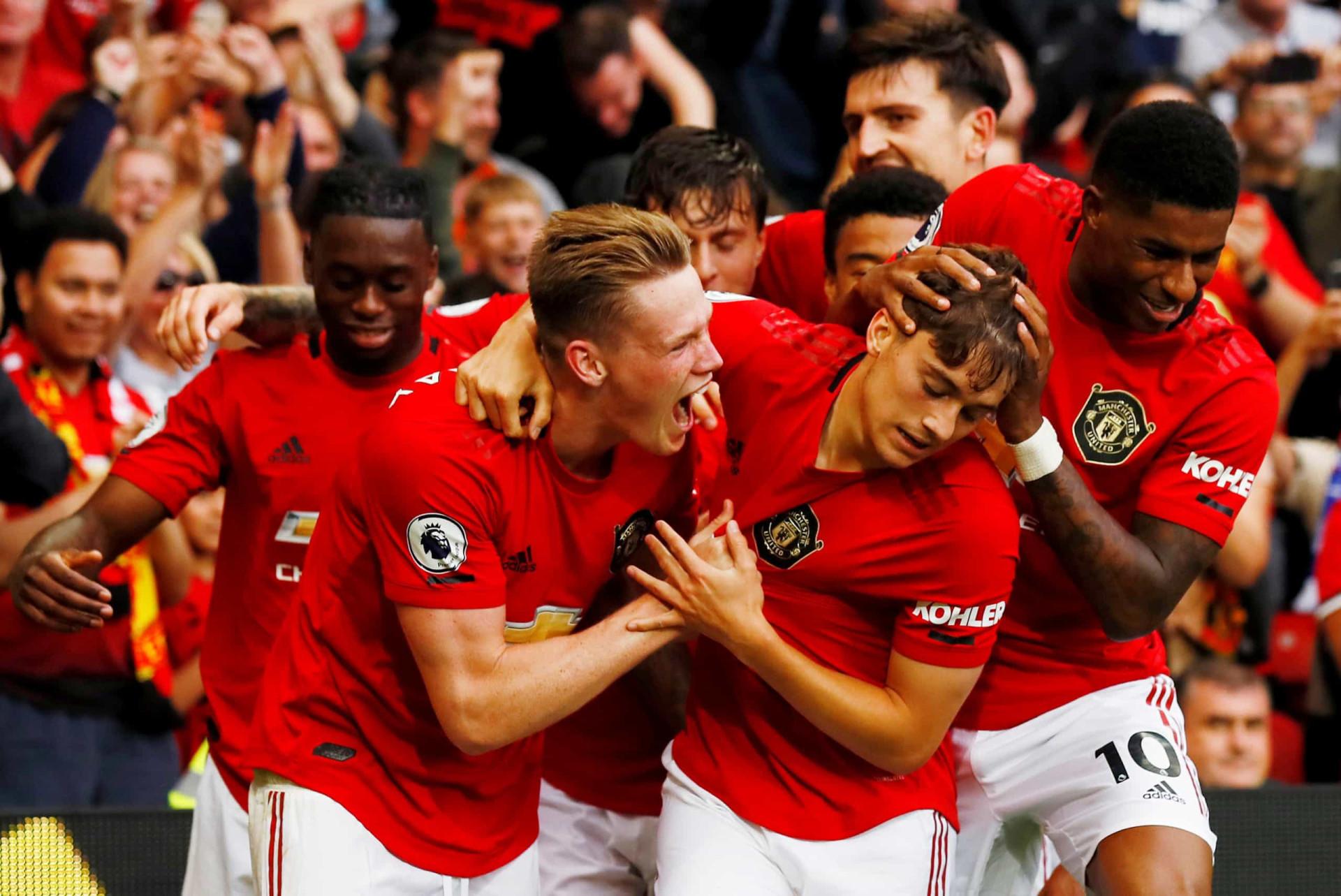 Marcou em Old Trafford, dedicou golo ao pai e não segurou as lágrimas