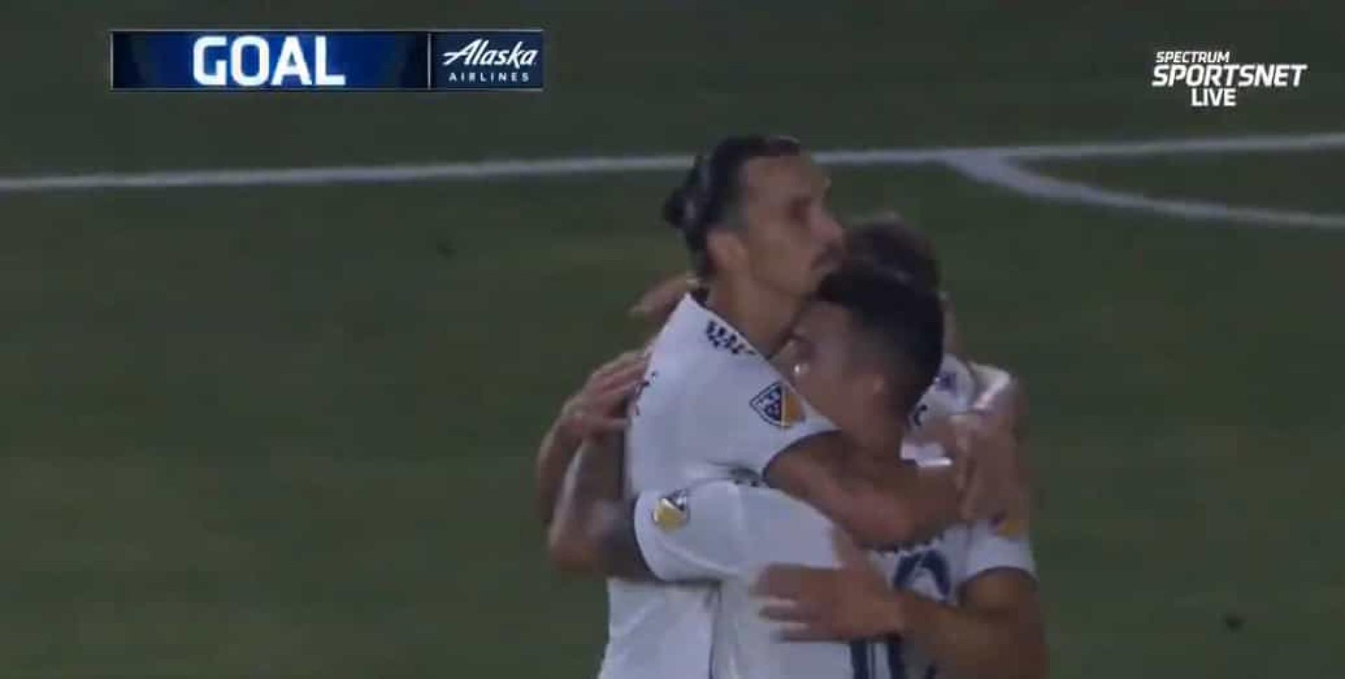 Foi assim que Ibrahimovic deu início à vitória dos LA Galaxy