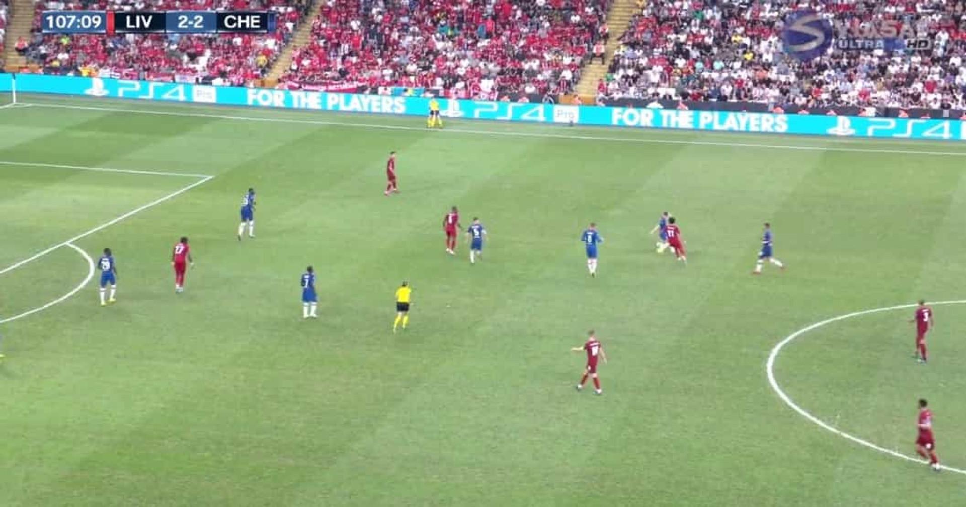 Em apenas cinco segundos, Salah fez estas duas 'maldades' ao Chelsea