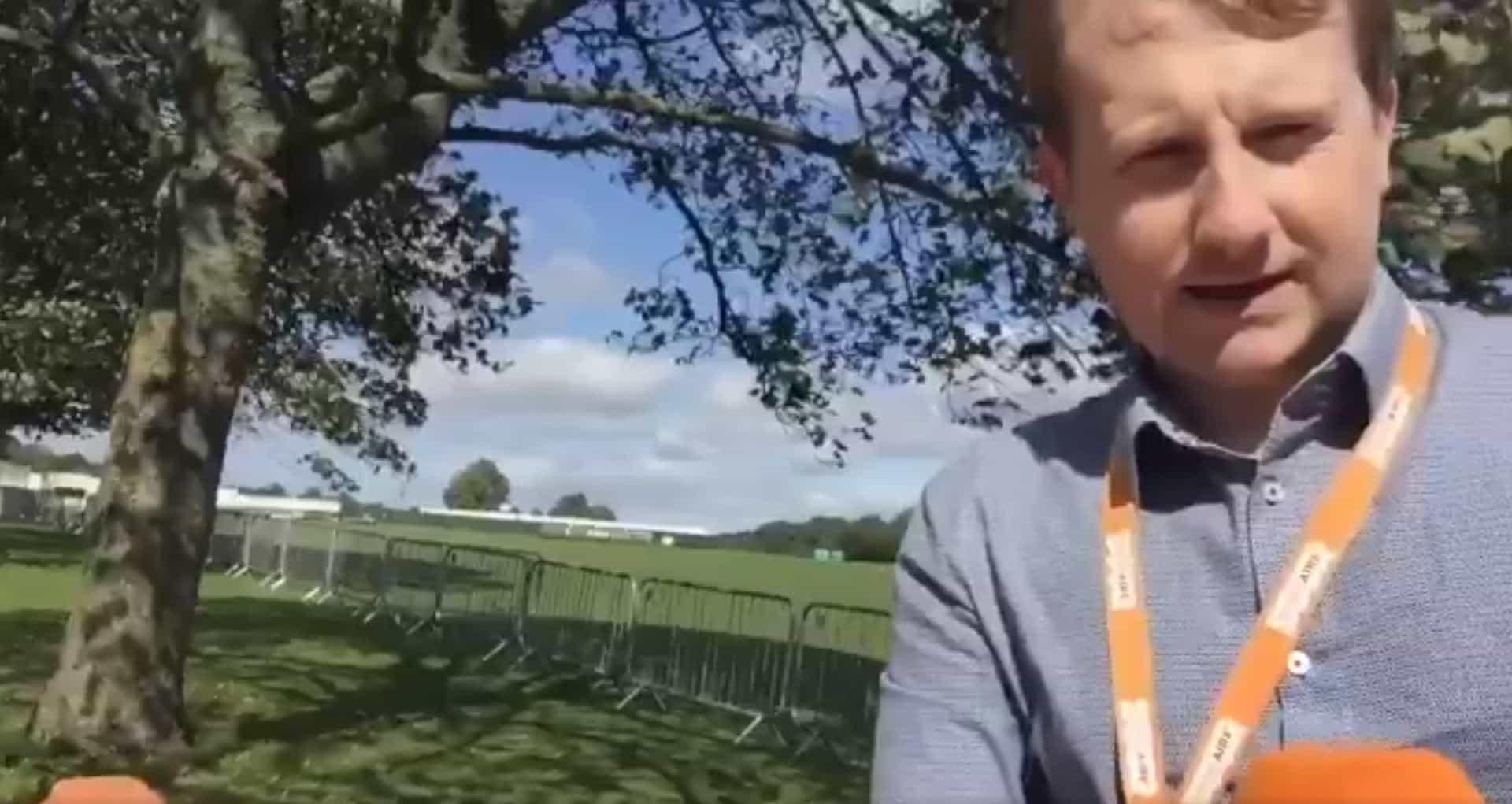 Jornalista tenta fazer reportagem em dia de vento. Resultado é hilariante