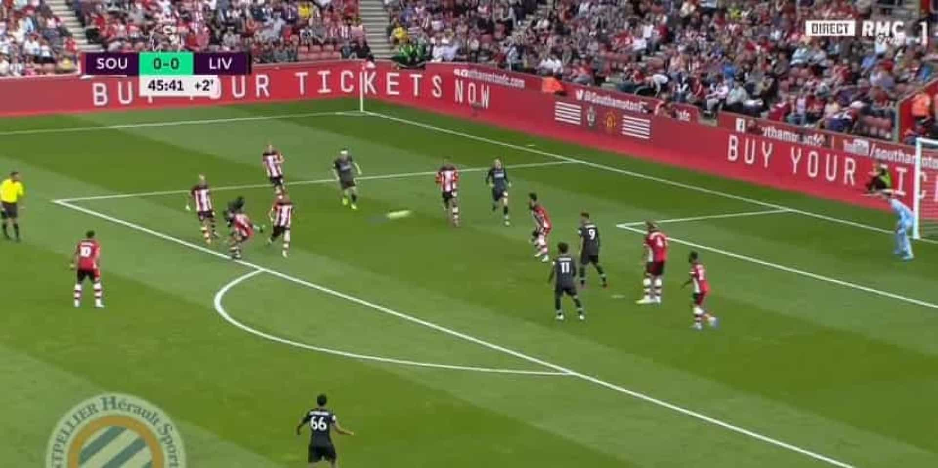 Foi com este golaço que Sadio Mané desfez o nulo no Southampton-Liverpool