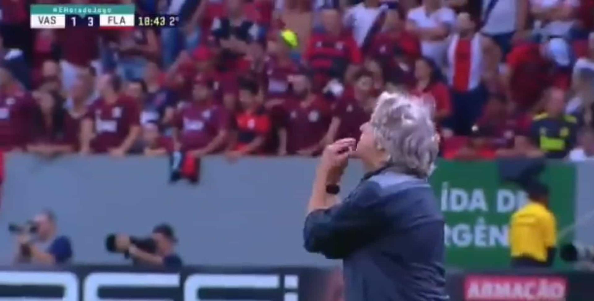 """Flamengo a vencer por 3-1 e treinador furioso: """"O que é isso, Jesus?"""""""