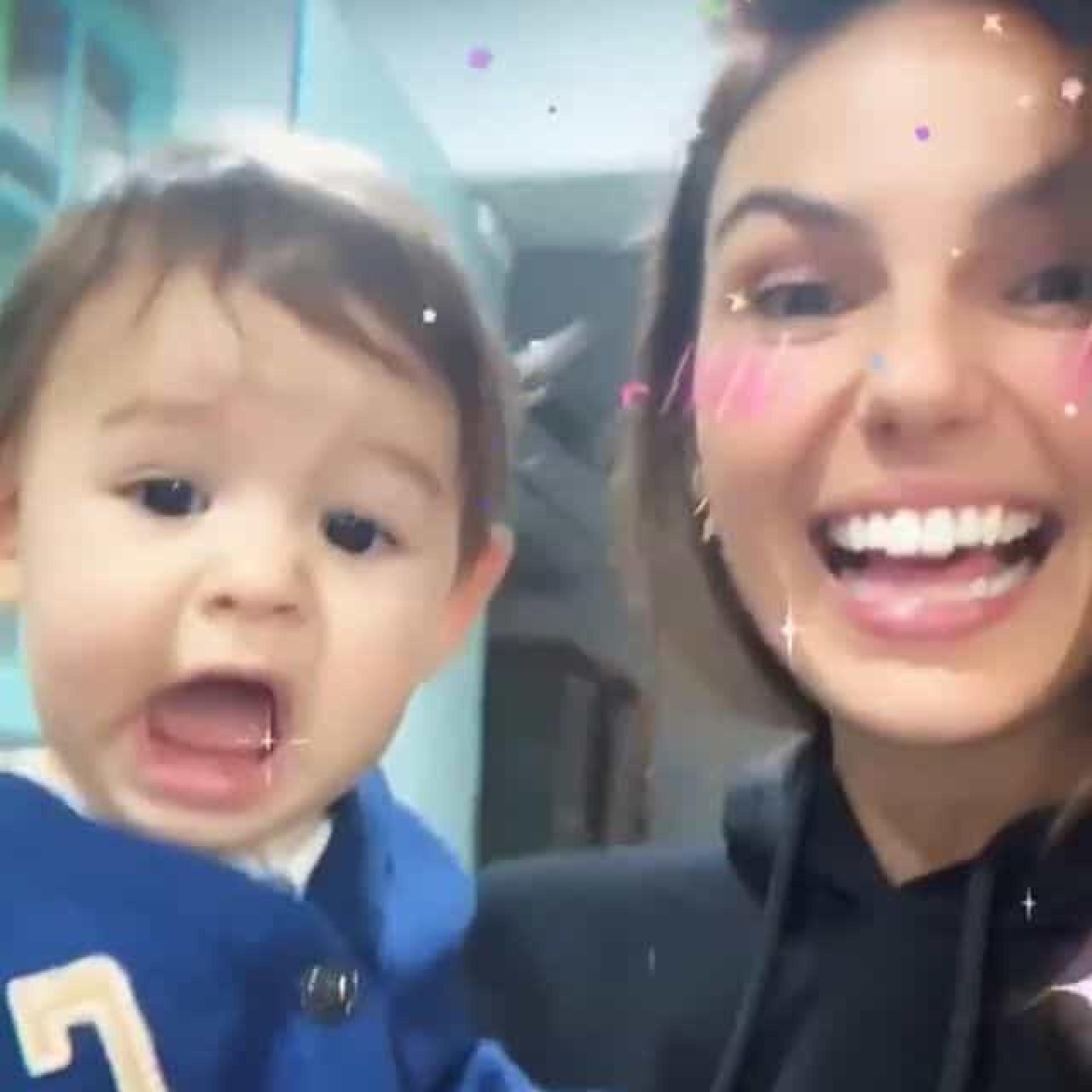 Filho de atriz Isis Valverde faz as delícias dos fãs em vídeo ternurento